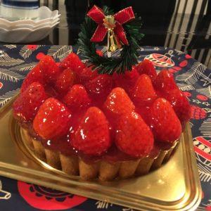 先週実家に帰った際にみんなでクリスマスケーキを食べました🍰いちごがたっぷり乗ってて美味しかったです😋