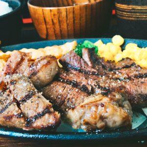 ②ランチでリブステーキを頂いてきました💖 かめばかむほど肉の旨味が口に広がって、幸せな気持ちになりました☺️✨ 夜は焼肉をやっているそうなので次回行ってみたいです🏃♂️