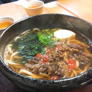 滋賀のごはんシリーズ① 胡蝶蘭さんでうどんを食べてきました😚💕 初めて温かいうどんを注文したのですが お出汁がめっちゃ美味しくてびっくりしました🙀