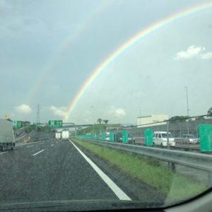 滋賀県への出張中のゲキシャ☆彡 きれいな虹が2重にかかっていました!なにあか良い事あるかな!?