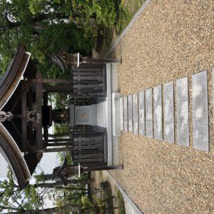 派遣先様の敷地内に設置されている大明神?の画像です。「仕事が取れますように!」とお祈りしておきました。YK from 京都南