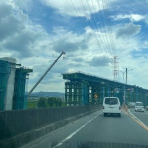 新名神高速道路の工事でしょうか⁉城陽から大津は令和5年開通予定だそうです!tk